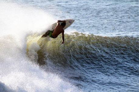 surf in Polinesia