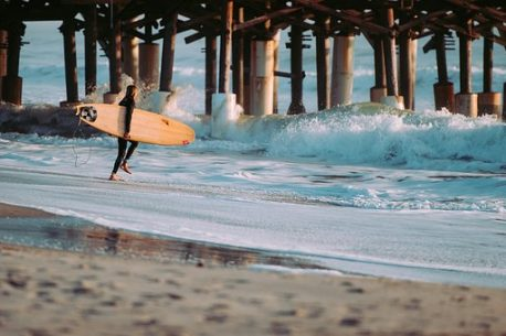 surf in Tasmania