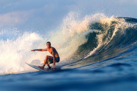 surf a Phuket