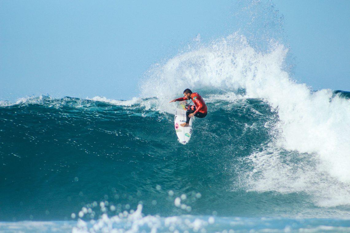 surf a Lord Howe Island